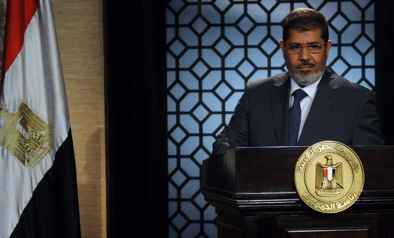 «Я — законный президент Египта и не признаю ничего из того, что было сделано после третьего июля» (слова Мурси в зале суда)